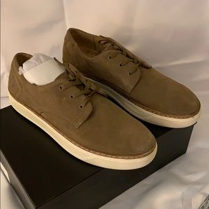 ♟New in Box Andrew Marc Edson suede sneaker 11D♟